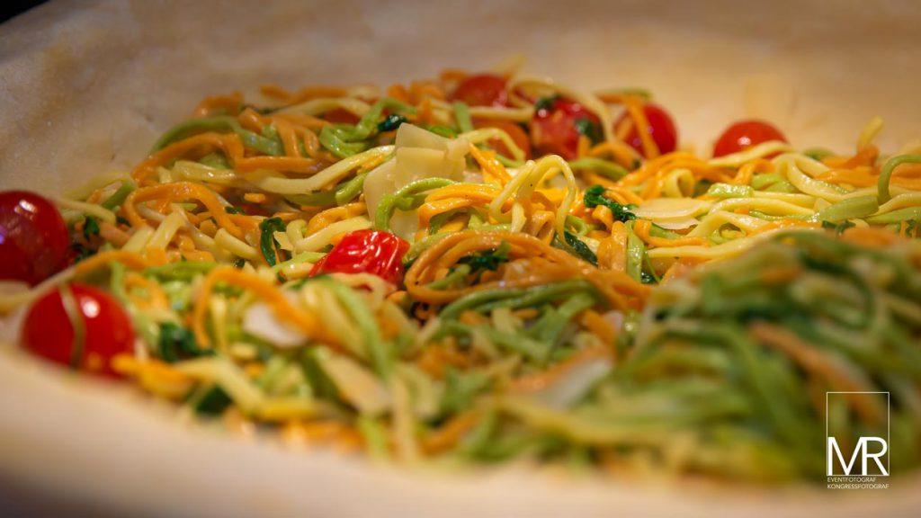 Nudel Party Parmesan food foto