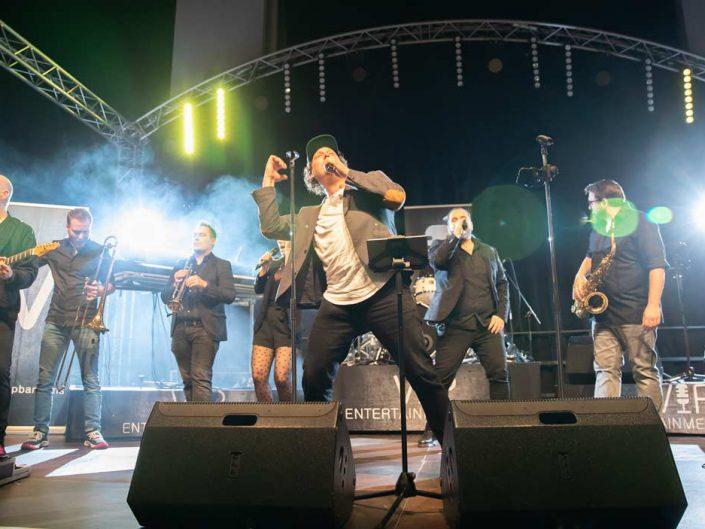 Sänger in Position