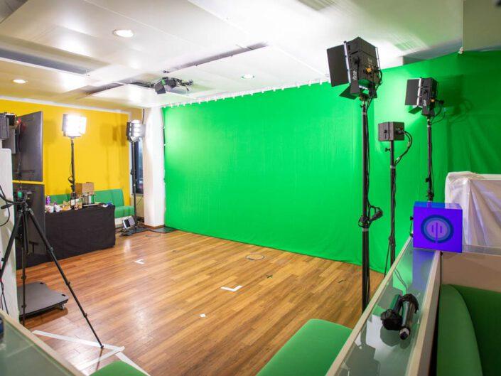 digitales kick off im green screen studio